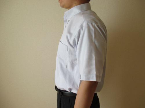 アポロコット半袖を着て横から